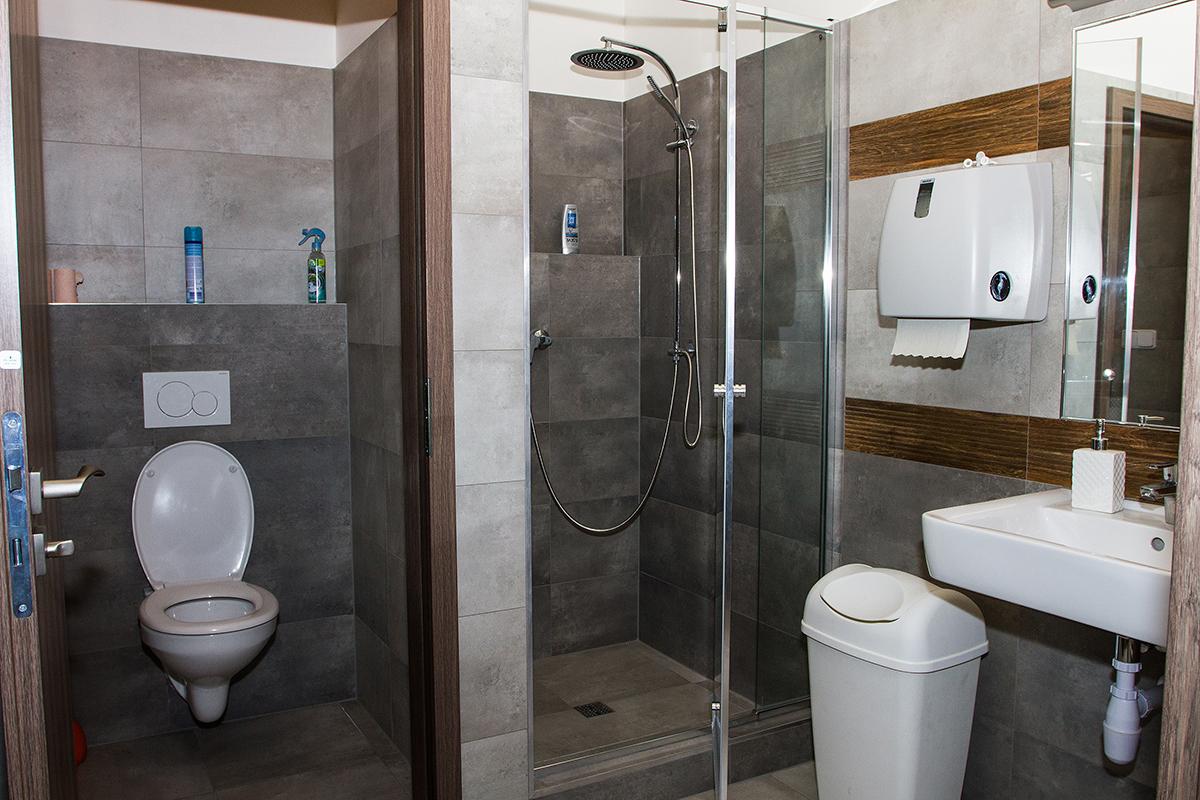 Sprcha a toaleta - Coworking Olomouc